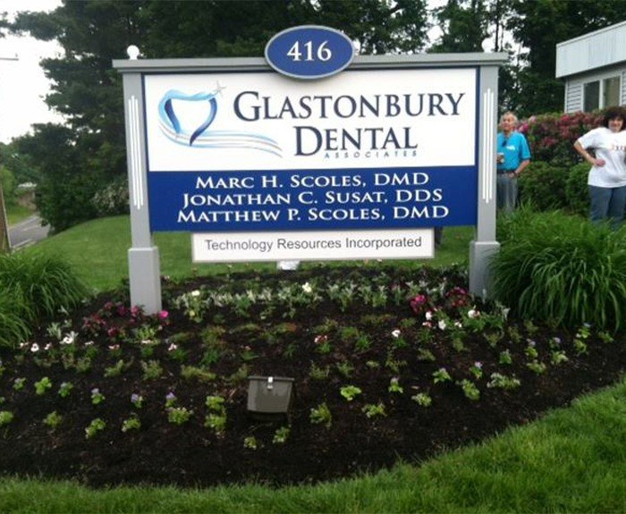 Glastonbury Dental Associates sign